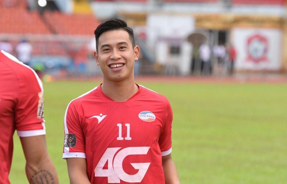Tiền đạo Nguyễn Việt Phong tại câu lạc bộ Viettel. (Ảnh: FBNV)
