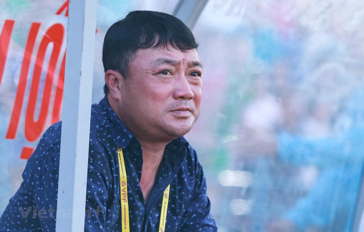 Huấn luyện viên Trương Việt Hoàng chia tay câu lạc bộ Hải Phòng sau V-League 2019. (Ảnh: Nguyên An)