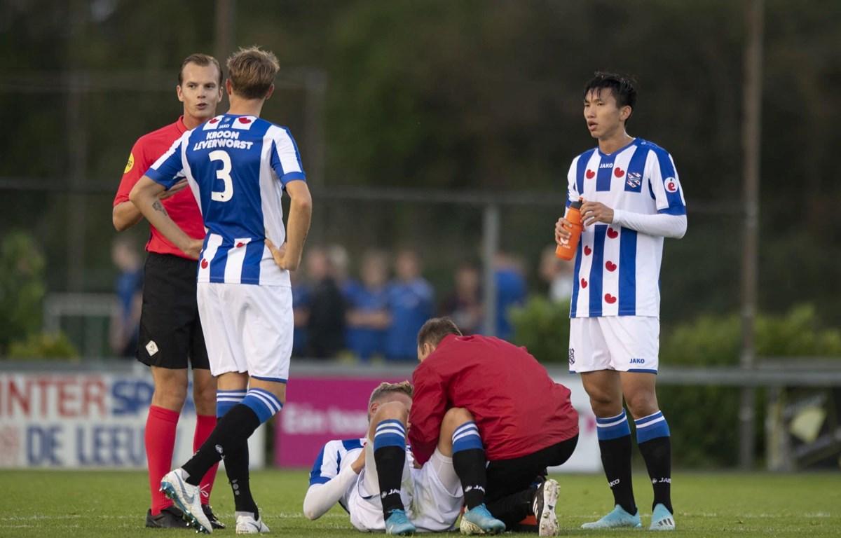 Đoàn Văn Hậu đá chính trong trận đấu của đội trẻ SC Heerenveen với đối thủ Go Ahead Eagles rạng sáng ngày 5/11. (Ảnh: Facebook Nguyễn Đắc Văn)