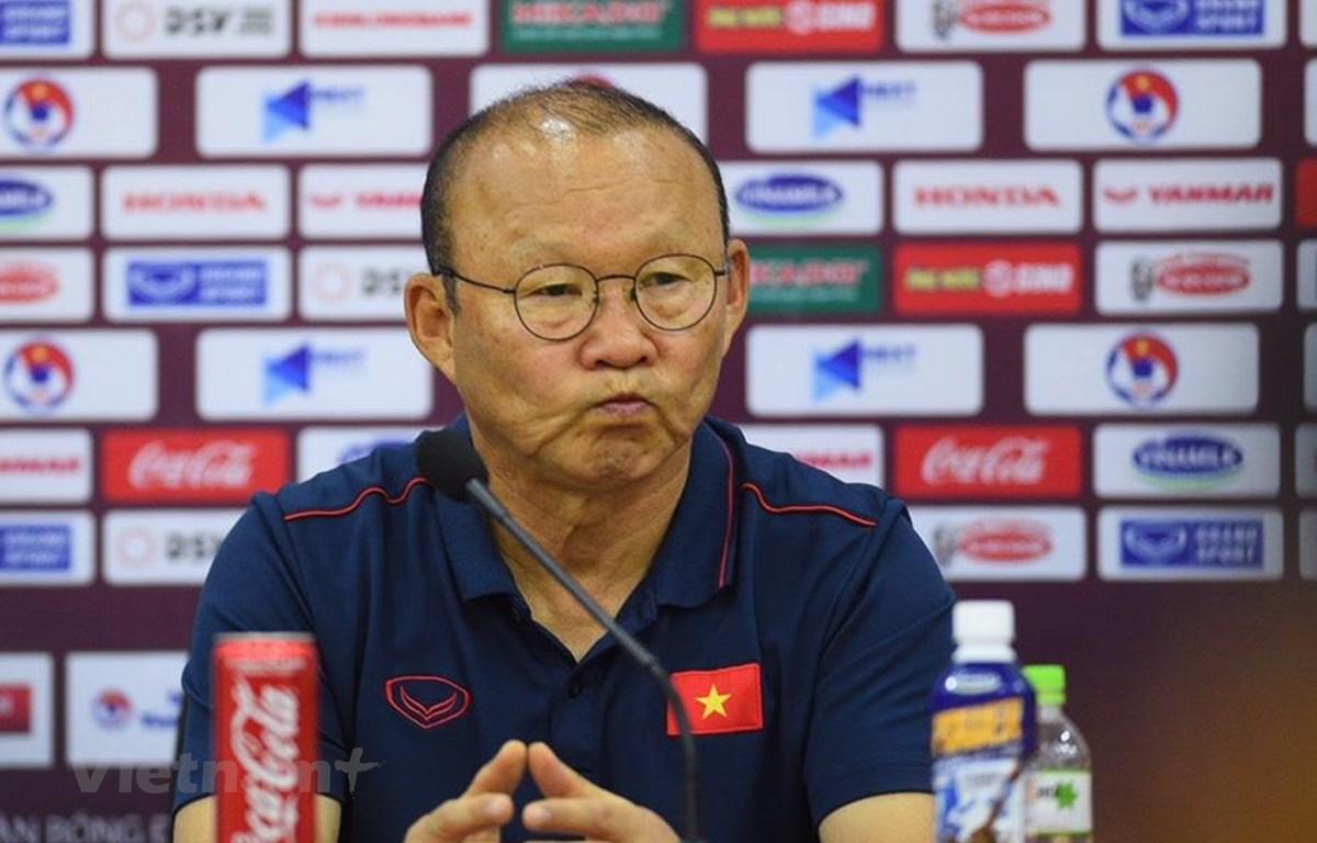 Huấn luyện viên Park Hang-seo tự tin Công Phượng sẽ toả sáng và ghi bàn trước Thái Lan ở trận đấu vào ngày mai (19/11). (Ảnh: Nguyên An/Vietnam+)