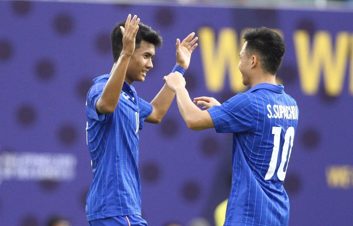 U22 Thái Lan dễ dàng đánh bại U22 Singapore ở lượt trận thứ ba bảng B chiều 1/12 tại môn bóng đá nam SEA Games. (Ảnh: SIamSport)