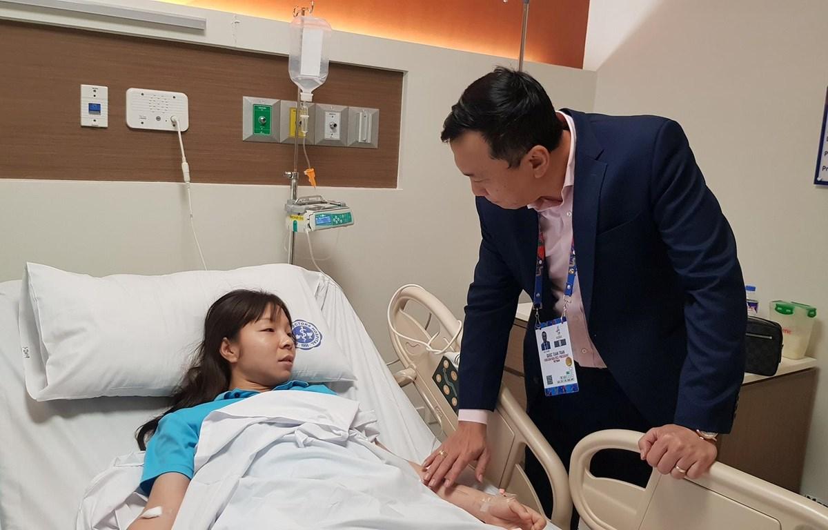 Trung vệ Nguyễn Thị Hồng Nhung nhập viện trong đêm khi kiệt sức, tụt đường huyết sau trận chung kết SEA Games 30 kéo dài 120 phút. (Ảnh: VFF)