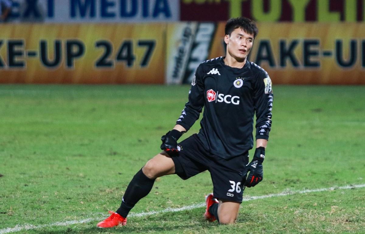 Thủ môn Bùi Tiến Dũng rời Hà Nội FC sau 1 năm gắn bó khi không có nhiều cơ hội thi đấu. (Ảnh: Nguyên An/Vietnam+)