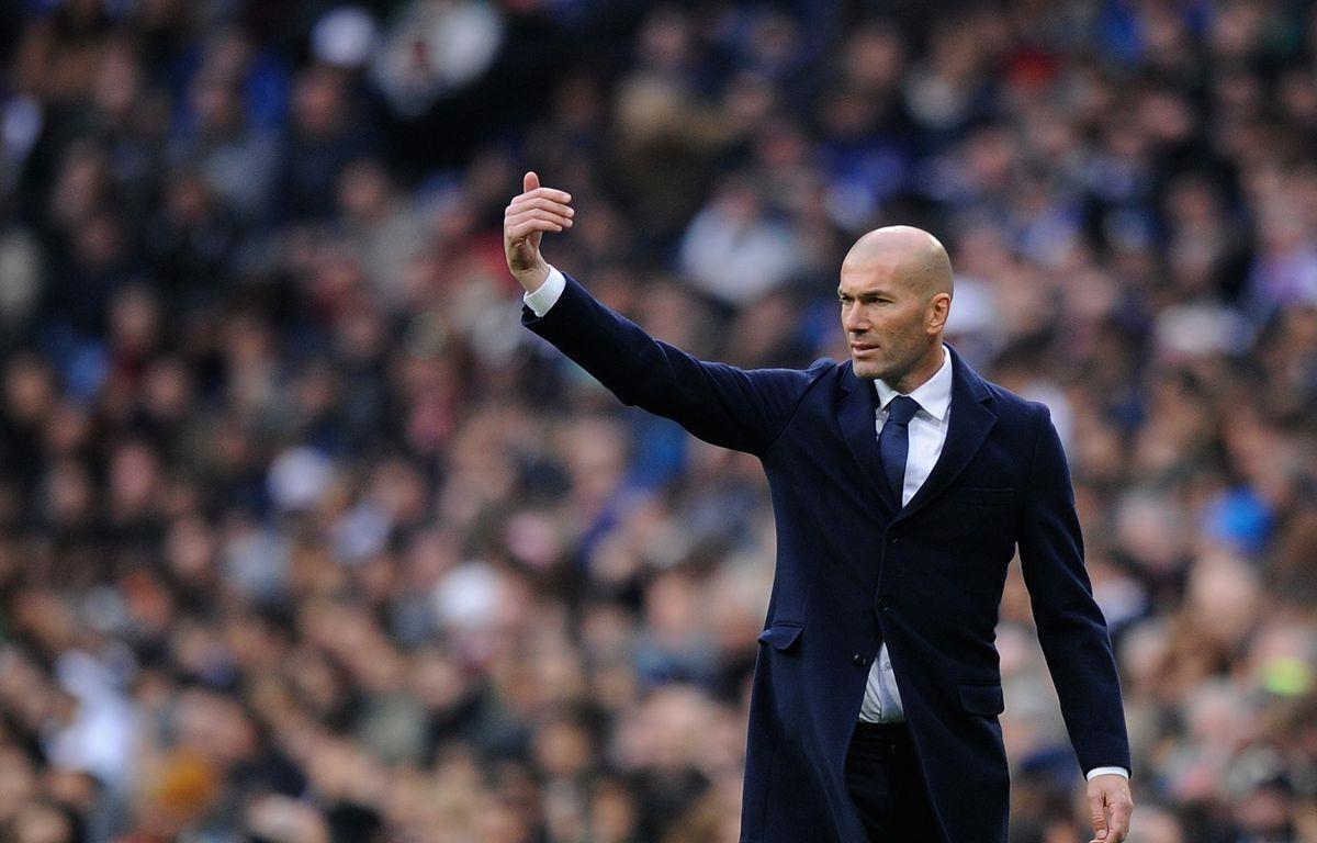 Huấn luyện viên Zinedine Zidane tiếc nuối sau thất bại của Real Madrid trước Manchester City. (Ảnh: Getty Images)