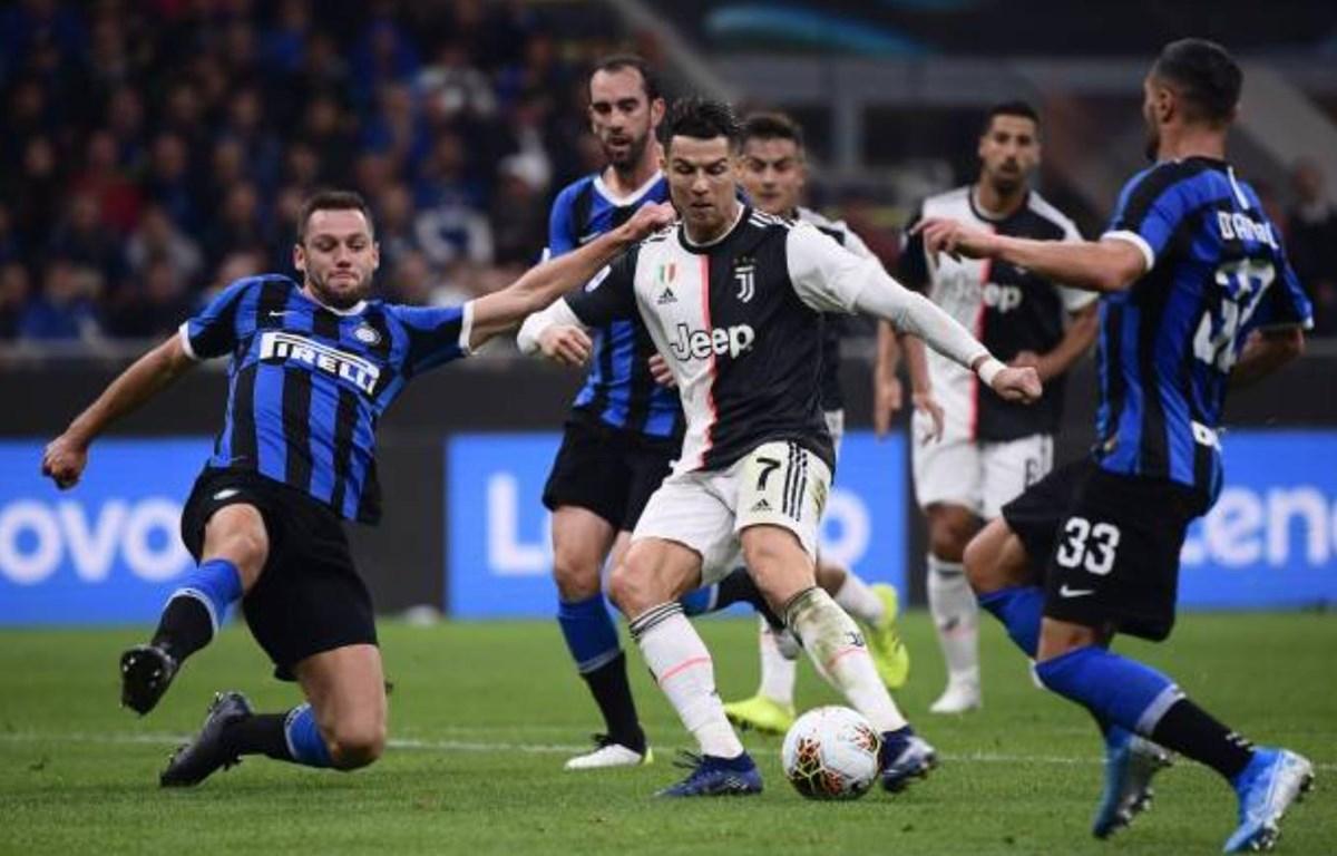 Trận đấu Juventus với Inter Milan sẽ diễn ra trên sân không có khán giả. (Ảnh: Getty Images)