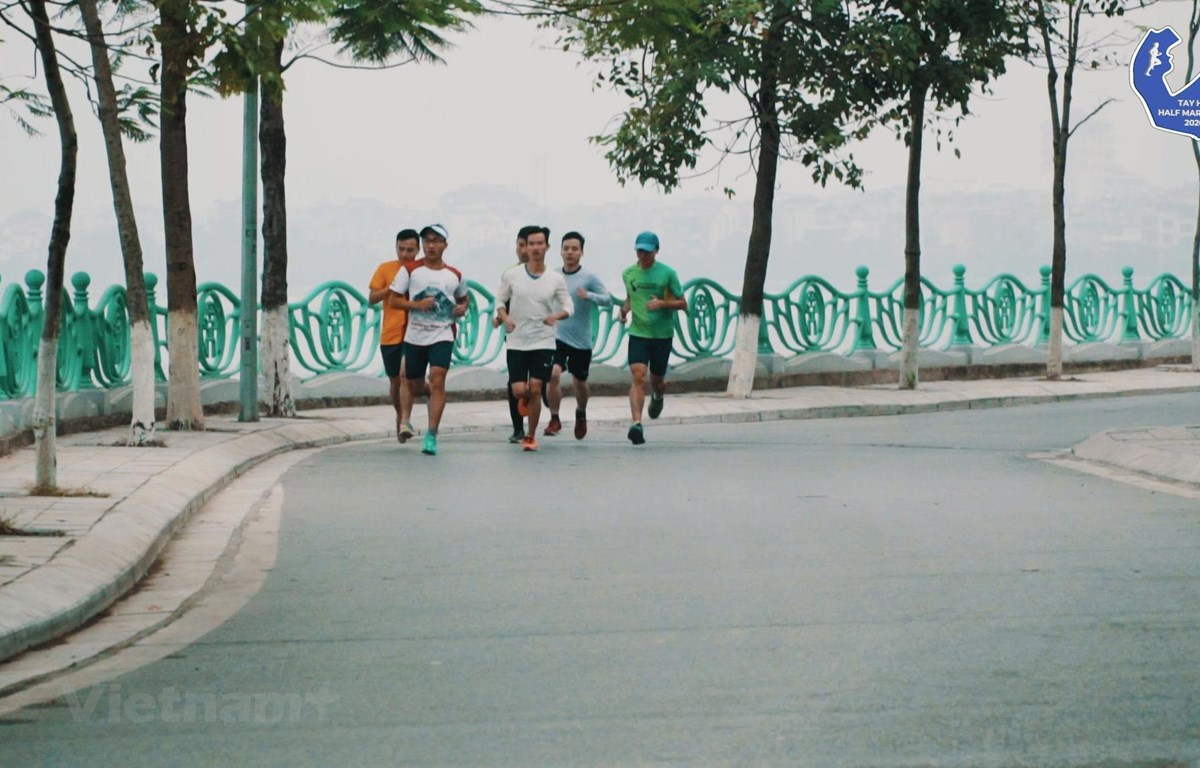Giải chạy Tay Ho Half Marathon 2020 chính thức khởi tranh ngày 12/7 tới với điểm xuất phát tại Vườn hoa Lạc Long Quân. (Ảnh: PV/Vietnam+)