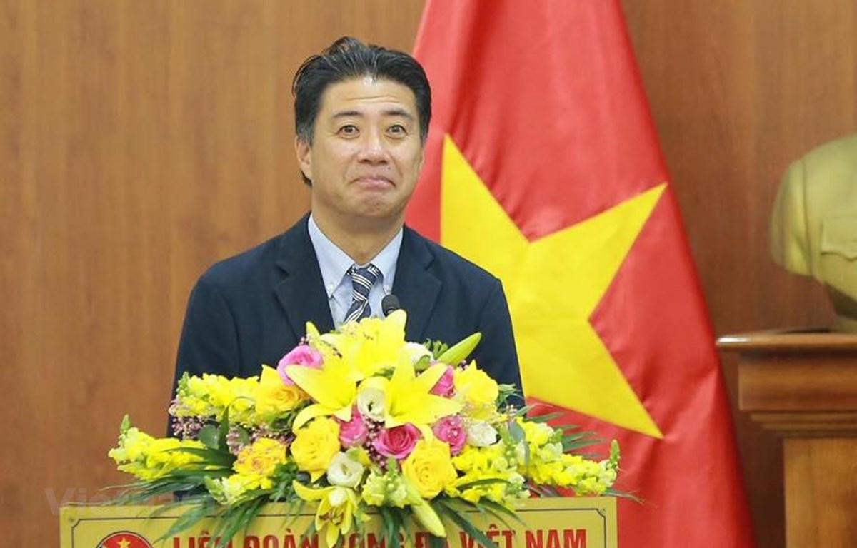 Tân Giám đốc kỹ thuật VFF Yusuke Adachi ra mắt bóng đá Việt Nam chiều 9/9 tại trụ sở VFF. (Ảnh: Hiển Nguyễn/Vietnam+)