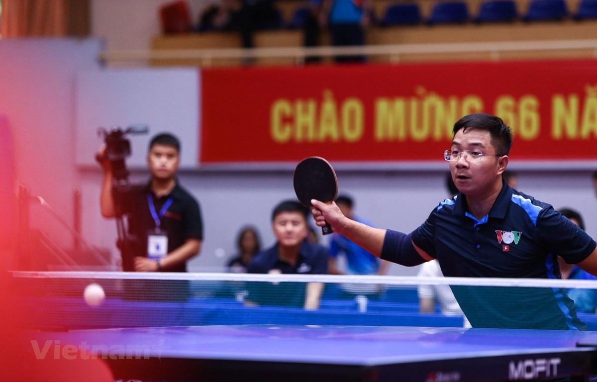 Một trong những trận đấu đầu tiên của Giải bóng bàn cúp Hội Nhà báo Việt Nam lần thứ XIV. (Ảnh: Hiển Nguyễn/Vietnam+)