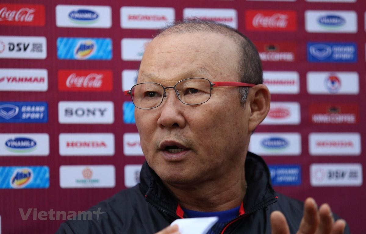 Huấn luyện viên Park Hang-seo muốn tận dụng đợt tập trung U22 Việt Nam để làm nền móng cho đội tuyển quốc gia. (Ảnh: Hiển Nguyễn/Vietnam+)