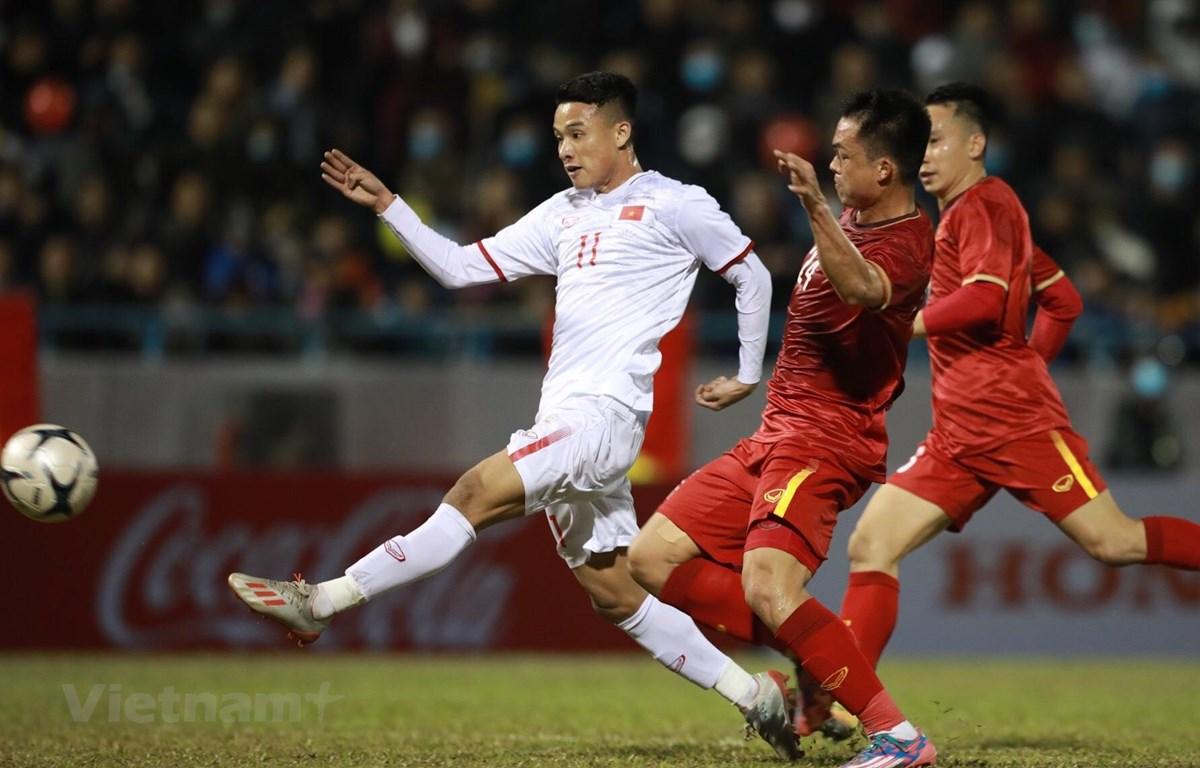 Đội tuyển Việt Nam vất vả thắng ngược U22 Việt Nam hôm 23/12 vừa qua tại Quảng Ninh. (Ảnh: Kim Chi/Vietnam+)