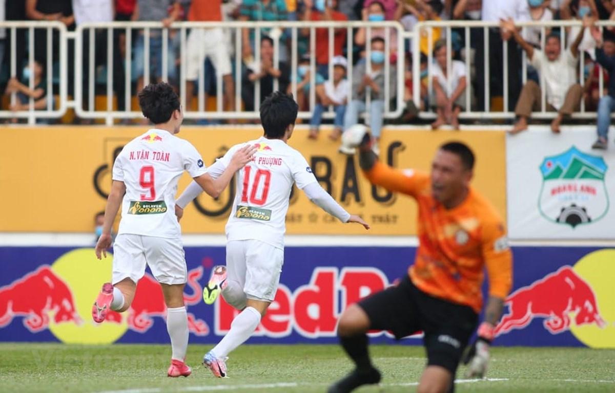 HLV Kiatisak khiêm tốn sau chuỗi thắng tưng bừng của Hoàng Anh-Gia Lai