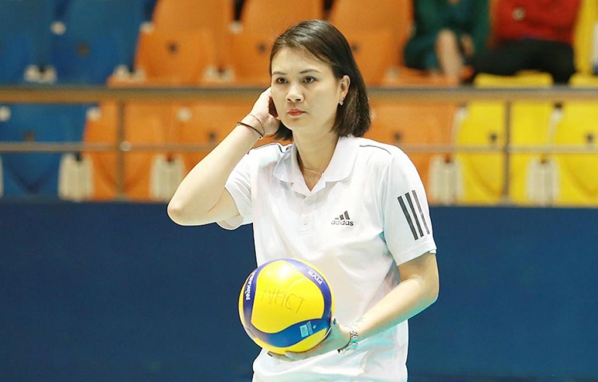 Huấn luyện viên Phạm Kim Huệ vẫn thuộc biên chế Câu lạc bộ bóng chuyền ngân hàng Công Thương. (Ảnh: VnExpress)