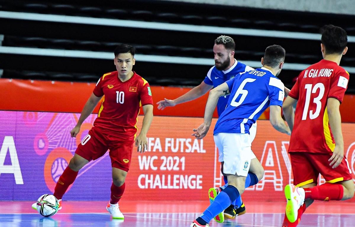 Thất bại đậm với tỷ số 1-9 trước Brazil không phải điều quá tồi tệ với đội tuyển futsal Việt Nam. (Ảnh: VFF)