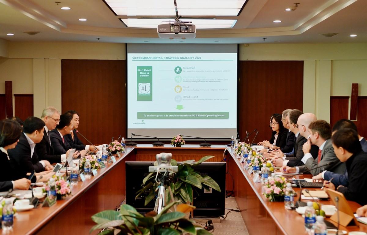 Hoạt động bán lẻ luôn được xác định là một trong các trụ cột kinh doanh của Vietcombank. (Ảnh: CTV)