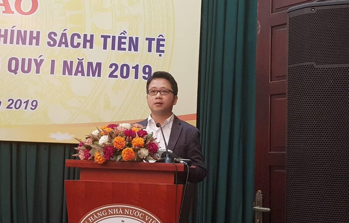 Ông Nghiêm Thanh Sơn, Phó vụ trưởng Vụ Thanh toán phát biểu tại họp báo. (Ảnh: TH/Vietnam+)