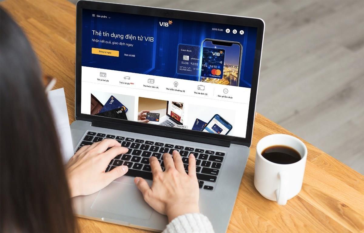 Tỷ lệ khách hàng giao dịch thông qua ngân hàng điện tử tại VIB là 76%. (Ảnh: N.G/Vietnam+)