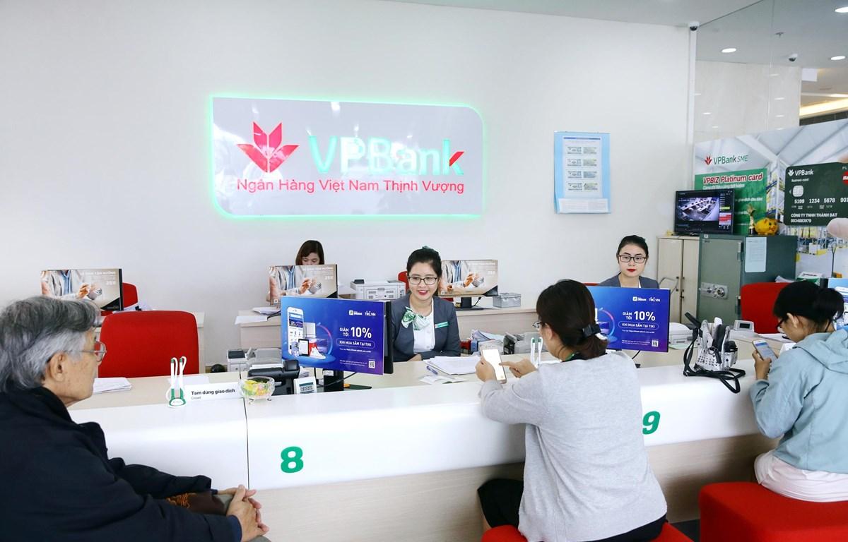 Giao dịch tại VPbank. (Nguồn: CTV/Vietnam+)
