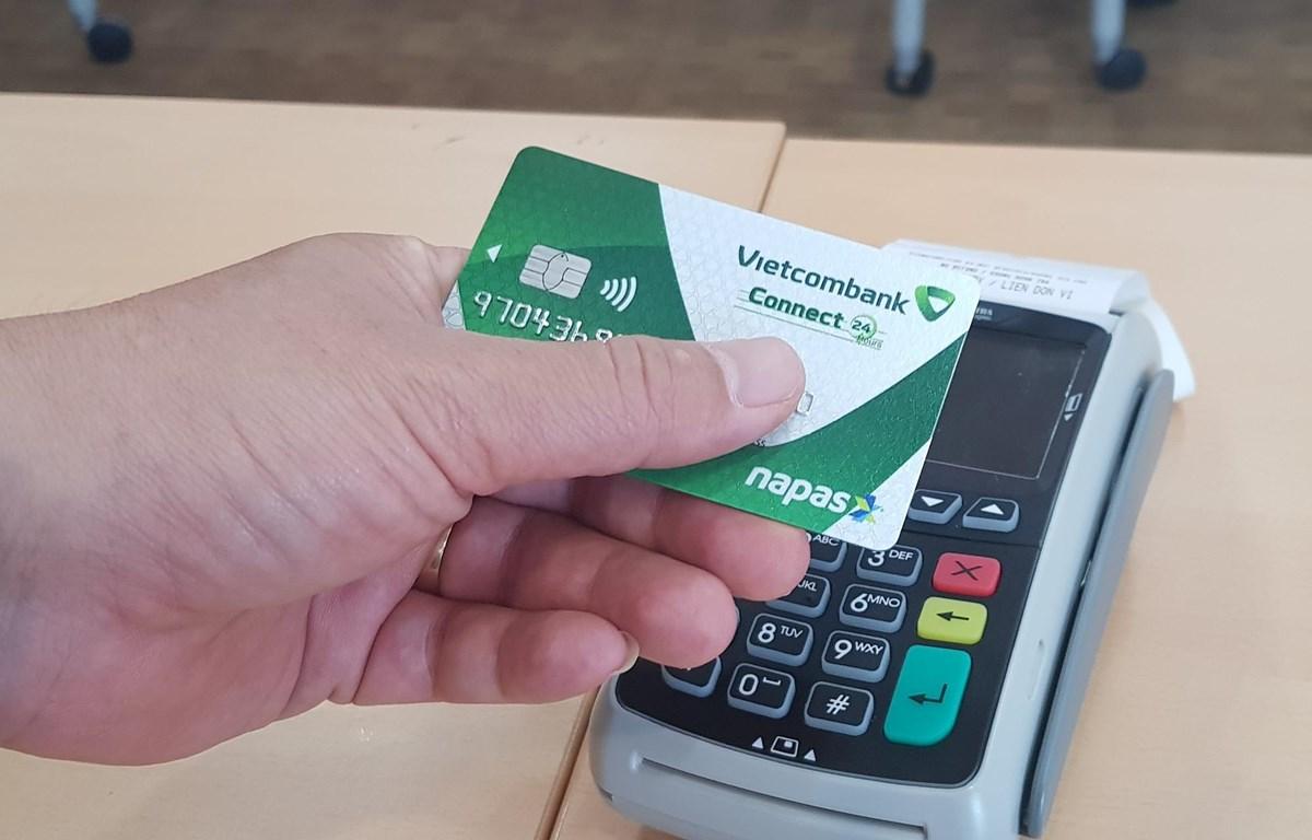 Thẻ chip nội địa của Vietcombank. (Ảnh: Thúy Hà/Vietnam+)