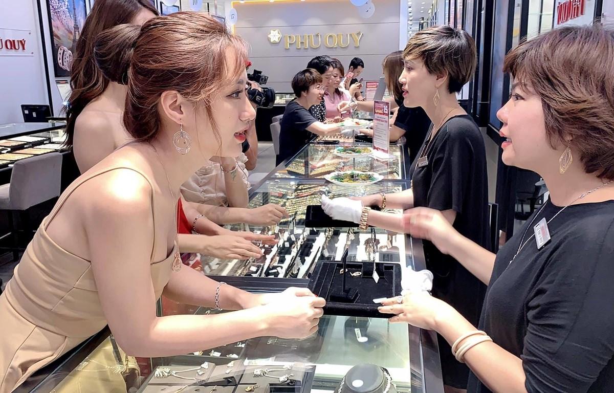 Giao dịch vàng tại Phú Quý. (Ảnh: CTV)