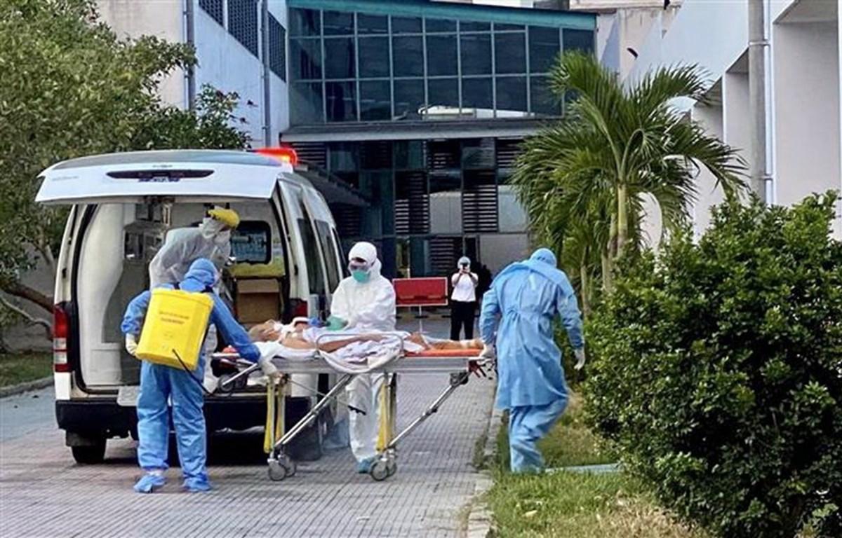 Bệnh viện Trung ương Huế tiếp nhận hai bệnh nhân nhiễm COVID-19 từ Đà Nẵng. Ảnh minh họa. (Ảnh: TTXVN phát)