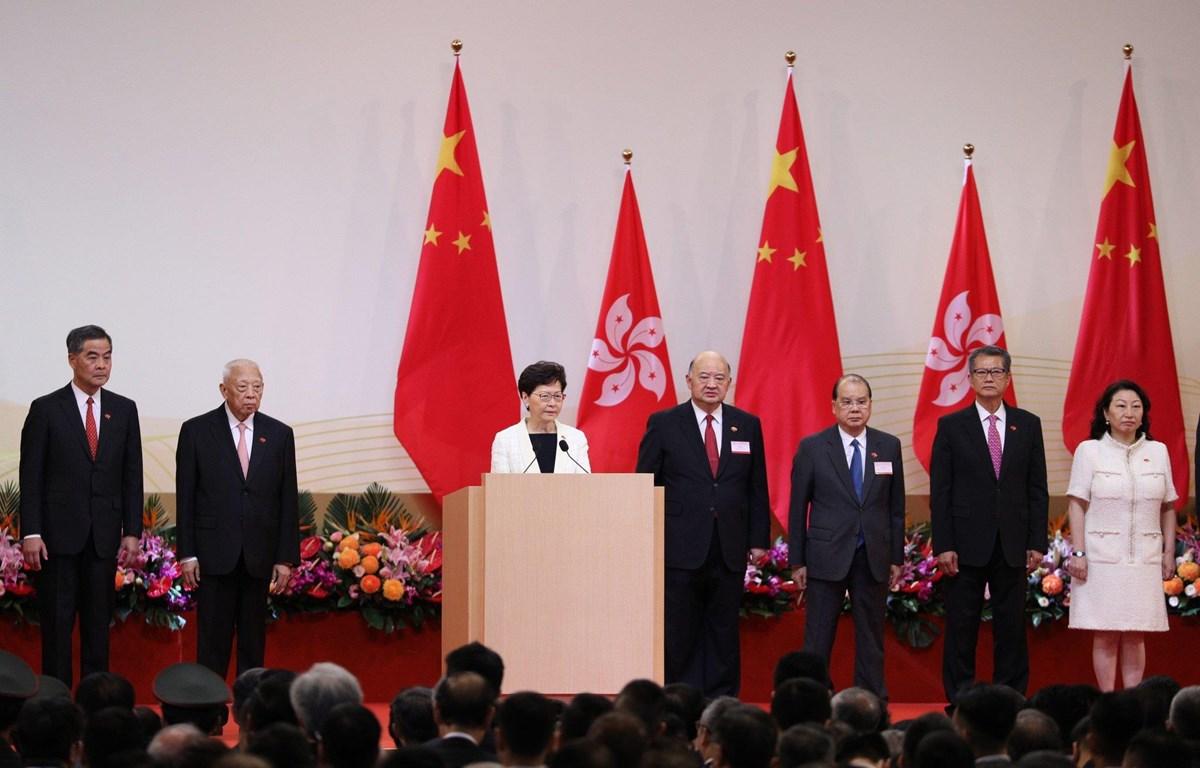 Trưởng Đặc khu Hong Kong, bà Lâm Trịnh Nguyệt Nga (Carrie Lam) phát biểu tại lễ kỷ niệm. (Nguồn: EPA)