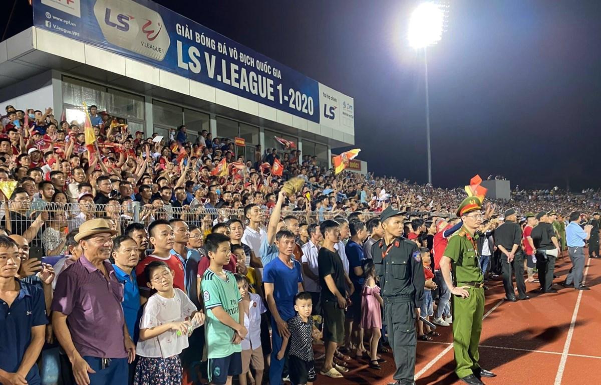 """Ban kỷ luật VFF chưa đưa ra án phạt sau sự cố """"vỡ sân"""" Hà Tĩnh. (Ảnh: CTV/Vietnam+)"""