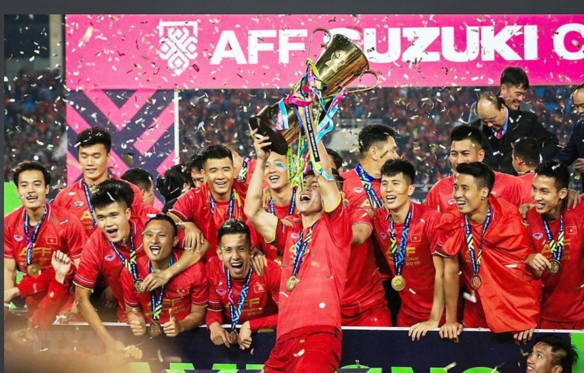 Đội tuyển Việt Nam có nhiệm vụ bảo vệ chức vô địch AFF Cup. (Ảnh: TTXVN)