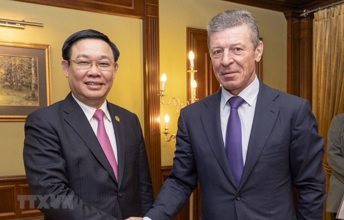 Phó Thủ tướng Vương Đình Huệ gặp và hội đàm với Phó Thủ tướng Chính phủ Liên bang Nga Dmitry Kozak. (Ảnh Duy Trinh/TTXVN)