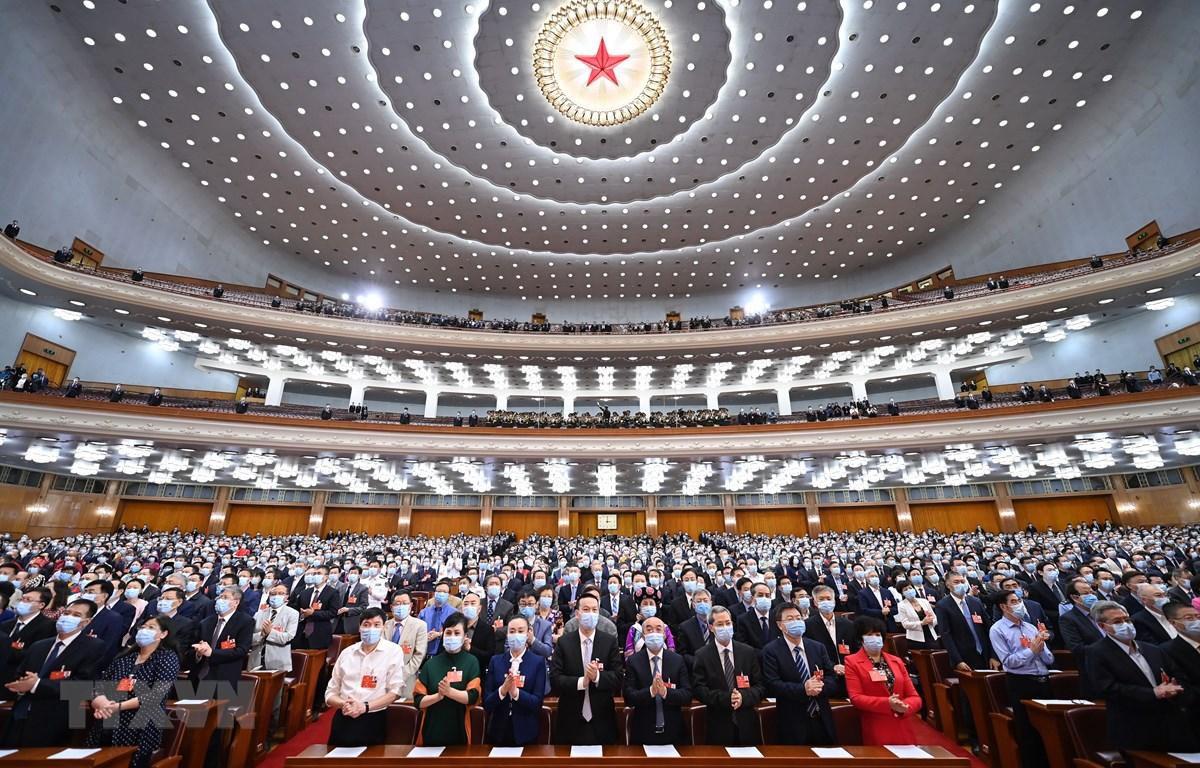 Các đại biểu tại phiên bế mạc Kỳ họp thứ 3 Hội nghị Chính Hiệp toàn quốc Trung Quốc khóa XIII tại thủ đô Bắc Kinh ngày 27/5. (Ảnh: THX/TTXVN)