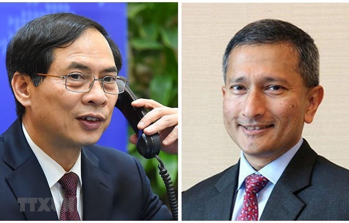 Bộ trưởng Ngoại giao Bùi Thanh Sơn điện đàm với Bộ trưởng Ngoại giao Singapore Vivian Balakrishnan. (Ảnh: TTXVN phát)