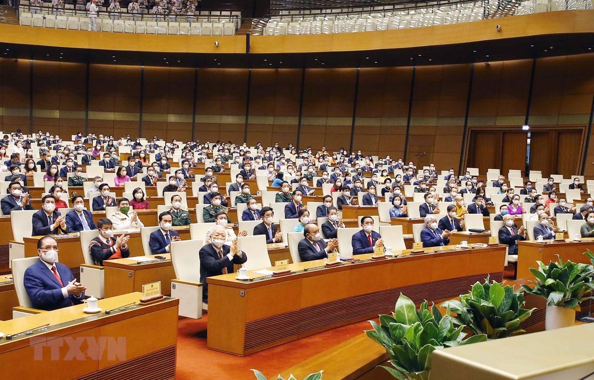 Lãnh đạo Đảng, Nhà nước và đại biểu Quốc hội dự bế mạc kỳ họp. (Ảnh: Doãn Tấn/TTXVN)
