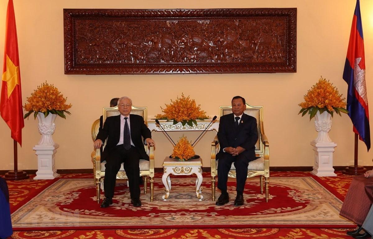Tại Trụ sở Thượng viện ở thủ đô Phnom Penh, Tổng Bí thư, Chủ tịch nước Nguyễn Phú Trọng hội kiến với Chủ tịch Thượng viện Campuchia Samdech Say Chhum. (Ảnh: Trí Dũng/TTXVN)