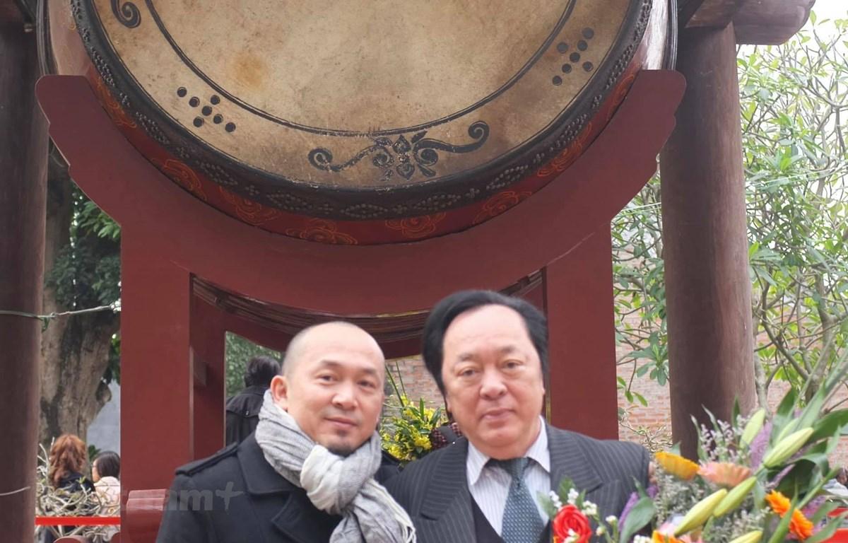 Nghệ sỹ nhân dân Trung Kiên và nhạc sỹ Quốc Trung. (Ảnh: FBNV)