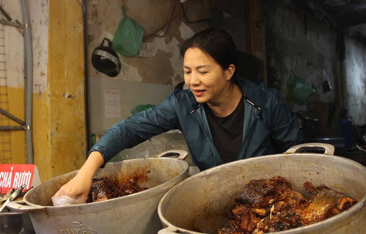 Quán cá kho nổi tiếng số 3 Ngõ Cầu Gỗ, Hà Nội. (Ảnh: Minh Hiếu/Vietnam+)