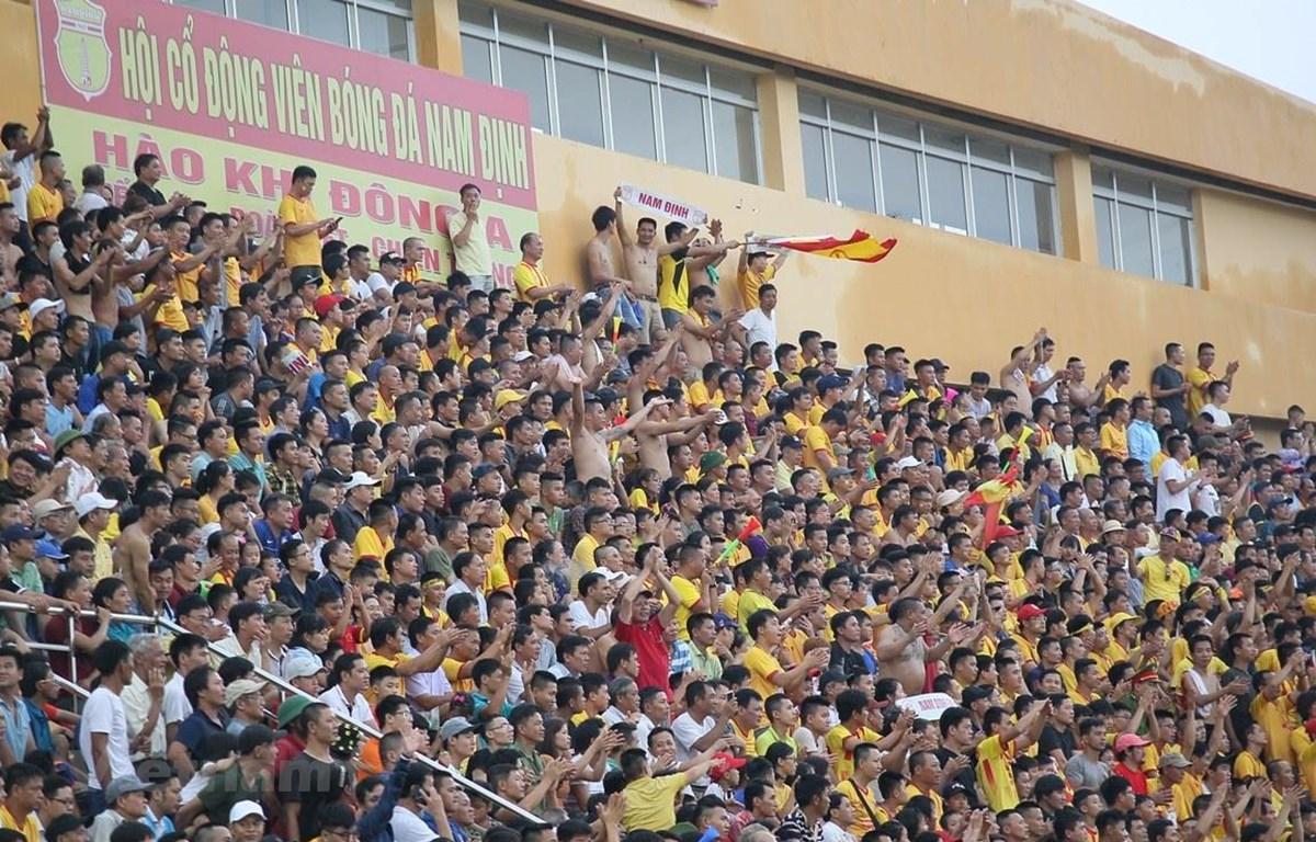 Sân Thiên Trường mở cửa đón khán giả tới theo dõi trận Nam Định-Hoàng Anh Gia Lai ngày 23/5 tới. (Ảnh: Nguyên An/Vietnam+)