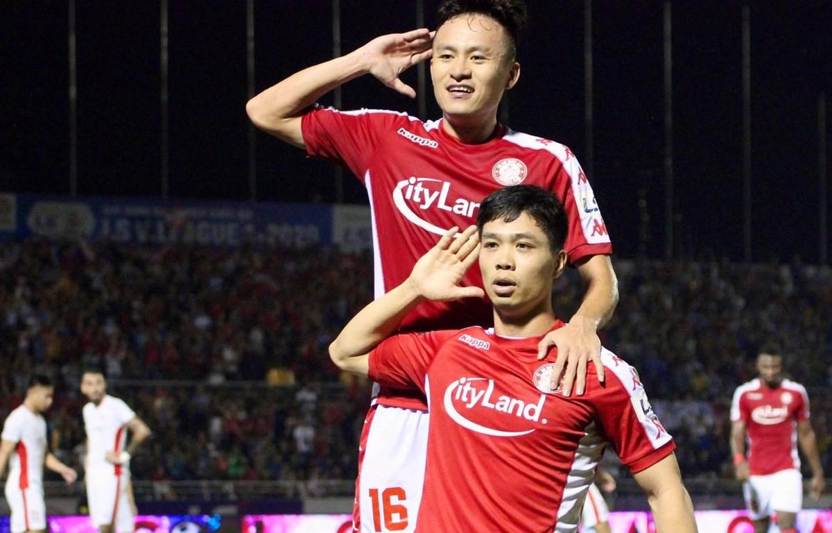 Công Phượng và Huy Toàn ghi bàn, giúp TP.HCM gỡ hòa 2-2 trong chiến thắng chung cuộc 3-2. (Ảnh: VPF)