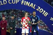 Thủ quân Croatia Luka Modric giành danh hiệu Quả bóng vàng