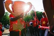 [Photo] Cổ động viên 'tiếp lửa' cho Việt Nam quyết đấu Myanmar