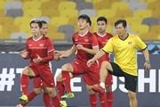 Hình ảnh tuyển Việt Nam tập tại Bukit Jalil trước trận chung kết