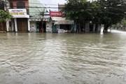 Mưa lớn ở Quảng Nam khiến hàng trăm nhà dân chìm trong biển nước