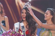 Khoảnh khắc người đẹp Philippines đăng quang Miss Universe