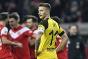 Dortmund thua đội 'cầm đèn đỏ,' Bundesliga nóng trước Giáng sinh