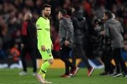 Messi lặng lẽ rời Anfield sau thất bại cay đắng của Barcelona