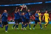 Khoảnh khắc Italy hân hoan nâng cao chiếc cúp vô địch EURO 2020