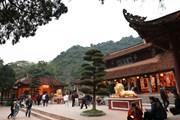 Hà Nội: Hàng trăm nghìn du khách trẩy hội Chùa Hương đầu xuân Canh Tý