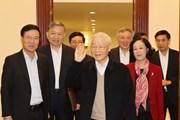 Hình ảnh phiên họp đầu tiên của Bộ Chính trị, Ban Bí thư khóa XIII