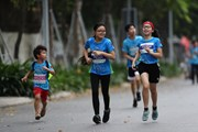 Những vận động viên điền kinh nhí ở giải chạy Ecopark Marathon 2021
