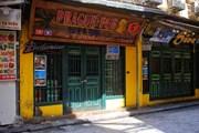 """""""Thiên đường"""" ẩm thực tại Phố cổ Hà Nội vắng vẻ sau lệnh đóng cửa"""
