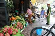 Hà Nội tạm dừng hoạt động họp chợ, giải tỏa chợ cóc để chống dịch