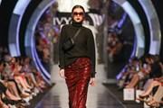 'Tomorrowland': Bộ sưu tập thời trang Thu Đông sang trọng và cá tính